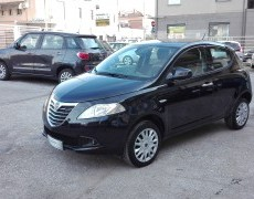 Lancia Ypsilon 0.9 TwinAir 80cv Natural Power Ecochic Neopatentati